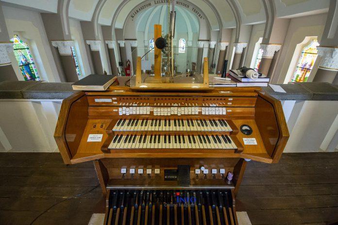 orgona felújítási munka Soltvadkerten a Római Katolikus templomban.